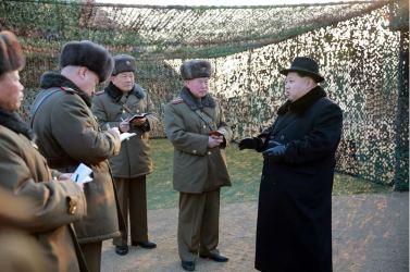 160221 - 조선의 오늘 - KIM JONG UN - Marschall KIM JONG UN leitete die Gefechtsübungen der großen Truppenverbände der KVA an - 09 - 경애하는 김정은동지께서 조선인민군 대련합부대들사이의 쌍방실동훈련을 지도하시였다