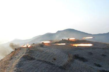 160221 - 조선의 오늘 - KIM JONG UN - Marschall KIM JONG UN leitete die Gefechtsübungen der großen Truppenverbände der KVA an - 15 - 경애하는 김정은동지께서 조선인민군 대련합부대들사이의 쌍방실동훈련을 지도하시였다