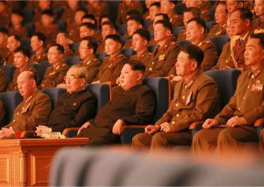 160223 - 조선의 오늘 - KIM JONG UN - Marschall KIM JONG UN wohnte dem Konzert zum 70. Gründungstag der Militärkapelle der KVA bei - 02 - 경애하는 김정은동지께서 조선인민군군악단창립 일흔돐기념 연주회를 관람하시였다