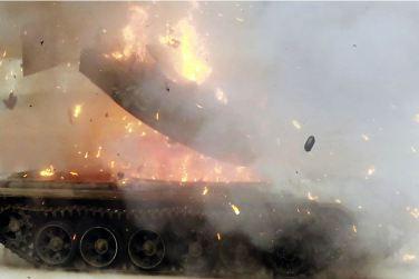 160227 - 조선의 오늘 - KIM JONG UN - Marschall KIM JONG UN leitete den Schießtest mit einer neuen Panzerabwehrrakete an - 08 - 경애하는 김정은동지께서 새로 개발한 반땅크유도무기시험사격을 지도하시였다