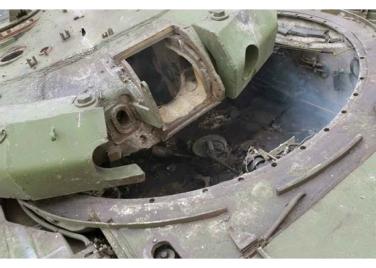160227 - RS - KIM JONG UN - Marschall KIM JONG UN leitete den Schießtest mit einer neuen Panzerabwehrrakete an - 10 - 경애하는 김정은동지께서 새로 개발한 반땅크유도무기시험사격을 지도하시였다
