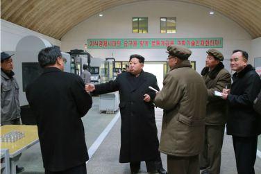 160302 - 조선의 오늘 - KIM JONG UN - Marschall KIM JONG UN besuchte das Maschinenwerk Thaesong - 03 - 경애하는 김정은동지께서 태성기계공장을 현지지도하시고 현대화과업을 제시하시였다.pdf