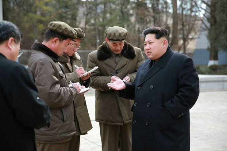 160302 - 조선의 오늘 - KIM JONG UN - Marschall KIM JONG UN besuchte das Maschinenwerk Thaesong - 06 - 경애하는 김정은동지께서 태성기계공장을 현지지도하시고 현대화과업을 제시하시였다.pdf