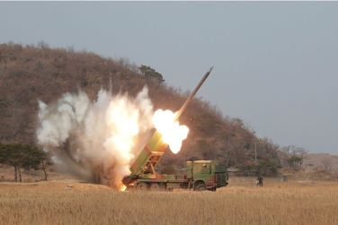 160304 - 조선의 오늘 - KIM JONG UN - 11 - 경애하는 김정은동지께서 신형대구경방사포시험사격을 지도하시였다