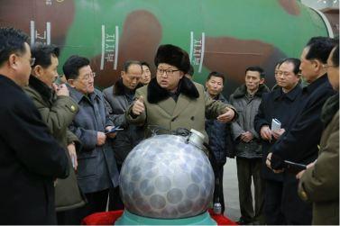 160309 - 조선의 오늘 - KIM JONG UN - Marschall KIM JONG UN besuchte die Wissenschaftler und Techniker für Kernwaffen - 06 - 경애하는 김정은동지께서 핵무기연구부문의 과학자, 기술자들을 만나시고 핵무기병기화사업을 지도하시였다