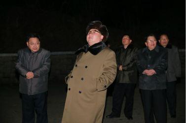 160311 - 조선의 오늘 - KIM JONG UN - Marschall KIM JONG UN sah sich eine Übung der Strategischen Truppen der KVA an - 03 - 경애하는 김정은동지께서 조선인민군 전략군의 탄도로케트발사훈련을 보시였다