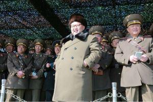 160311 - 조선의 오늘 - KIM JONG UN - Marschall KIM JONG UN besuchte einen Panzerwettbewerb der Armee - 01 - 경애하는 김정은동지께서 《조선인민군 땅크병경기대회-2016》을 보시였다
