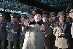 160311 - 조선의 오늘 - KIM JONG UN - Marschall KIM JONG UN besuchte einen Panzerwettbewerb der Armee - 02 - 경애하는 김정은동지께서 《조선인민군 땅크병경기대회-2016》을 보시였다