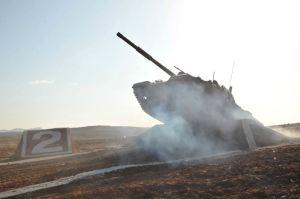 160311 - 조선의 오늘 - KIM JONG UN - Marschall KIM JONG UN besuchte einen Panzerwettbewerb der Armee - 07 - 경애하는 김정은동지께서 《조선인민군 땅크병경기대회-2016》을 보시였다