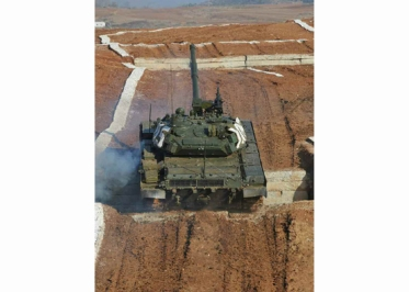 160311 - RS - KIM JONG UN - Marschall KIM JONG UN besuchte einen Panzerwettbewerb der Armee - 09 - 경애하는 김정은동지께서 《조선인민군 땅크병경기대회-2016》을 보시였다