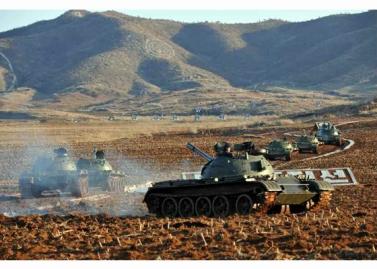 160311 - RS - KIM JONG UN - Marschall KIM JONG UN besuchte einen Panzerwettbewerb der Armee - 15 - 경애하는 김정은동지께서 《조선인민군 땅크병경기대회-2016》을 보시였다