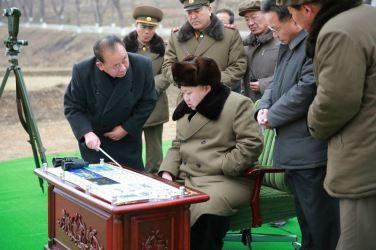 160315 - 조선의 오늘 - KIM JONG UN - Marschall KIM JONG UN besichtigte eine erfolgreiche Simulation des Wiedereintritts der ballistischen Rakete in die Atmosphäre - 03 - 경애하는 김정은동지께서 탄도로케트 대기권재돌입환경모의시험을 지도하시였다