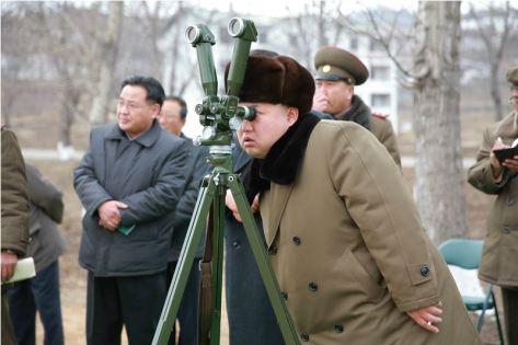 160315 - 조선의 오늘 - KIM JONG UN - Marschall KIM JONG UN besichtigte eine erfolgreiche Simulation des Wiedereintritts der ballistischen Rakete in die Atmosphäre - 04 - 경애하는 김정은동지께서 탄도로케트 대기권재돌입환경모의시험을 지도하시였다