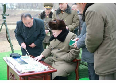 160315 - RS - KIM JONG UN - Marschall KIM JONG UN besichtigte eine erfolgreiche Simulation des Wiedereintritts der ballistischen Rakete in die Erdatmosphäre - 01 - 경애하는 김정은동지께서 탄도로케트 대기권재돌입환경모의시험을 지도하시였다