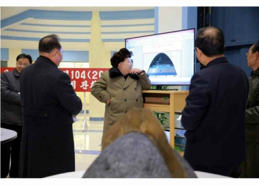 160315 - RS - KIM JONG UN - Marschall KIM JONG UN besichtigte eine erfolgreiche Simulation des Wiedereintritts der ballistischen Rakete in die Erdatmosphäre - 05 - 경애하는 김정은동지께서 탄도로케트 대기권재돌입환경모의시험을 지도하시였다