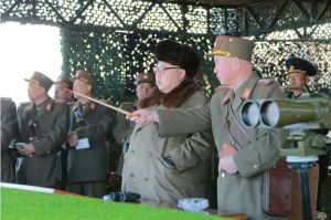 160320 - 조선의 오늘 - KIM JONG UN - Marschall KIM JONG UN leitete eine Landungs- und Landungsabwehrübung der KVA - 03 - 경애하는 김정은동지께서 조선인민군 상륙 및 반상륙방어연습을 지도하시였다