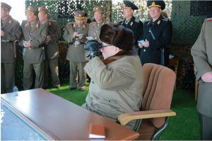 160320 - 조선의 오늘 - KIM JONG UN - Marschall KIM JONG UN leitete eine Landungs- und Landungsabwehrübung der KVA - 06 - 경애하는 김정은동지께서 조선인민군 상륙 및 반상륙방어연습을 지도하시였다