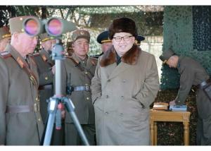 160320 - RS - KIM JONG UN - Marschall KIM JONG UN leitete eine Landungs- und Landungsabwehrübung der KVA - 06 - 경애하는 김정은동지께서 조선인민군 상륙 및 반상륙방어연습을 지도하시였다
