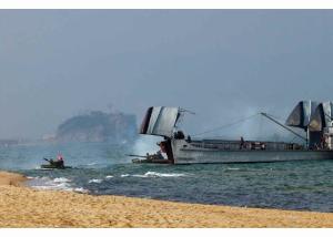 160320 - RS - KIM JONG UN - Marschall KIM JONG UN leitete eine Landungs- und Landungsabwehrübung der KVA - 07 - 경애하는 김정은동지께서 조선인민군 상륙 및 반상륙방어연습을 지도하시였다