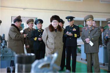 160322 - 조선의 오늘 - Marschall KIM JONG UN besichtigte das Schiffsreparaturwerk '3. Oktober' der 597. Truppe der KVA - 02 - 경애하는 김정은동지께서 우리 나라 선박수리공장의 본보기, 표준으로 전변된 조선인민군 해군 제597군부대관하 10월3일공장을 현지지도하시였다