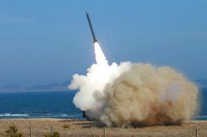 160322 - 조선의 오늘 - KIM JONG UN - Marschall KIM JONG UN begutachtete erneut den Abschuss eines neuen Langstreckenraketenwerfers - 07 - 경애하는 김정은동지께서 신형대구경방사포사격을 또다시 지도하시였다