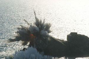 160322 - 조선의 오늘 - KIM JONG UN - Marschall KIM JONG UN begutachtete erneut den Abschuss eines neuen Langstreckenraketenwerfers - 09 - 경애하는 김정은동지께서 신형대구경방사포사격을 또다시 지도하시였다