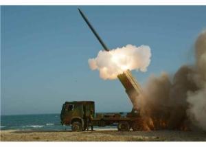 160322 - RS - KIM JONG UN - Marschall KIM JONG UN begutachtete erneut den Abschuss eines neuen Langstreckenraketenwerfers - 07 - 경애하는 김정은동지께서 신형대구경방사포사격을 또다시 지도하시였다