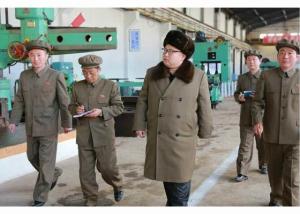 160324 - RS - KIM JONG UN - Marschall KIM JONG UN besichtigte den Betrieb '11. Februar' im Vereinigten Maschinenwerk Ryongsong - 02 - 경애하는 김정은동지께서 룡성기계련합기업소 2월11일공장을 현지지도하시였다
