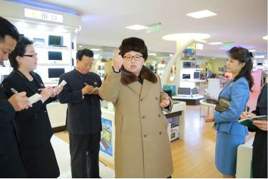 160328 - 조선의 오늘 - KIM JONG UN - Marschall KIM JONG UN besichtigte das Kaufhaus Mirae und die Komplexe Dienstleistungsbasis - 07 - 경애하는 김정은동지께서 새로 건설된 미래상점과 종합봉사기지를 현지지도하시였다