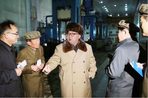 160402 - 조선의 오늘 - KIM JONG UN - Marschall KIM JONG UN besichtigte das Maschinenwerk Tonghungsan im Vereinigten Maschinenwerk Ryongsong - 01 - 경애하는 김정은동지께서 룡성기계련합기업소 동흥산기계공장을 현지지도하시였다