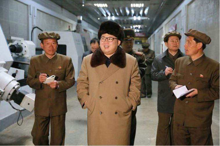 160402 - 조선의 오늘 - KIM JONG UN - Marschall KIM JONG UN besichtigte das Maschinenwerk Tonghungsan im Vereinigten Maschinenwerk Ryongsong - 06 - 경애하는 김정은동지께서 룡성기계련합기업소 동흥산기계공장을 현지지도하시였다