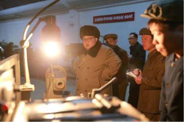 160402 - 조선의 오늘 - KIM JONG UN - Marschall KIM JONG UN besichtigte das Maschinenwerk Tonghungsan im Vereinigten Maschinenwerk Ryongsong - 07 - 경애하는 김정은동지께서 룡성기계련합기업소 동흥산기계공장을 현지지도하시였다