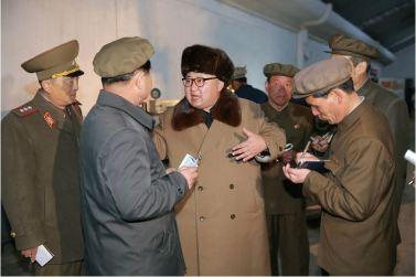 160402 - 조선의 오늘 - KIM JONG UN - Marschall KIM JONG UN besichtigte das Maschinenwerk Tonghungsan im Vereinigten Maschinenwerk Ryongsong - 08 - 경애하는 김정은동지께서 룡성기계련합기업소 동흥산기계공장을 현지지도하시였다