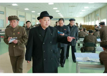 160408 - RS - Marschall KIM JONG UN besichtigte ein Maschinenwerk, das von Ri Chol Ho geleitet wird - 07 - 경애하는 김정은동지께서 리철호동무가 사업하는 기계공장을 현지지도하시였다