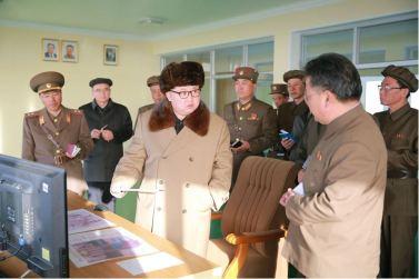 160409 - 조선의 오늘 - KIM JONG UN - Marschall KIM JONG UN leitete einen Test am neuen Raketentriebwerk - 02 - 경애하는 김정은동지께서 서해위성발사장을 찾으시여 새형의 대륙간탄도로케트 대출력발동기지상분출시험을 지도하시였다