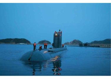 160424 - RS - KIM JONG UN - Marschall KIM JONG UN leitete einen Unterwasserschießtest der ballistischen Rakete vom strategischen U-Boot - 10 - 전략잠수함 탄도탄수중시험발사에서 또다시 대성공 경애하는 김정은동지께서 시험발사를 현지에서 지도하시였다