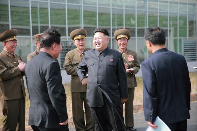 160515 - 조선의 오늘 - KIM JONG UN - Marschall KIM JONG UN besuchte die Baumschule Nr. 122 der KVA - 02 - 경애하는 김정은동지께서 지식경제시대의 요구에 맞게 과학화, 공업화, 집약화가 훌륭히 실현된 조선인민군 122호양묘장을 현지지도하시였다