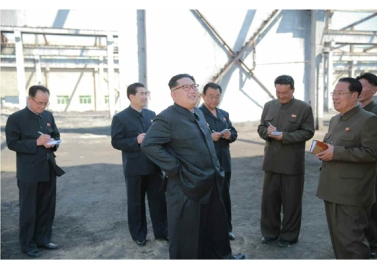 160519 - RS - KIM JONG UN - Marschall KIM JONG UN besuchte das Maschinenwerk unter Ho Chol Yong - 04 - 경애하는 김정은동지께서 허철용동무가 사업하는 기계공장을 현지지도하시였다