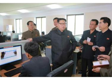 160519 - RS - KIM JONG UN - Marschall KIM JONG UN besuchte das Maschinenwerk unter Ho Chol Yong - 05 - 경애하는 김정은동지께서 허철용동무가 사업하는 기계공장을 현지지도하시였다