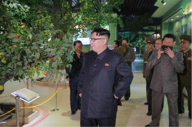 160521 - 조선의 오늘 - KIM JONG UN - Genosse KIM JONG UN besuchte das Naturmuseum und den Zentralen Zoologischen Garten vor deren Einweihungen - 13 - 경애하는 김정은동지께서 완공을 앞둔 자연박물관과 중앙동물원을 현지지도하시였다