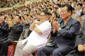 160530 - 조선의 오늘 - KIM JONG UN - Marschall KIM JONG UN sah sich das Herrenbasketballfreundschaftsspiel des Sobaeksu-Teams der DVR Korea und der Olympischen Mannschaft Chinas an - 02 - 경애하는 김정은동지께서 우리 나라 소백수남자롱구팀과 중국올림픽남자롱구팀간의 친선경기를 관람하시였다
