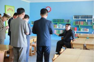160604 - 조선의 오늘 - KIM JONG UN - Marschall KIM JONG UN besichtigte das neu gestaltete Kinderferienlager Mangyongdae - 05 - 경애하는 김정은동지께서 새로 개건된 만경대소년단야영소를 현지지도하시였다
