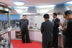 160604 - 조선의 오늘 - KIM JONG UN - Marschall KIM JONG UN besichtigte das neu gestaltete Kinderferienlager Mangyongdae - 10 - 경애하는 김정은동지께서 새로 개건된 만경대소년단야영소를 현지지도하시였다