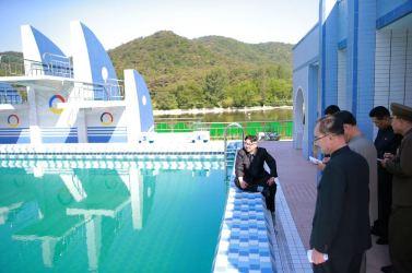 160604 - 조선의 오늘 - KIM JONG UN - Marschall KIM JONG UN besichtigte das neu gestaltete Kinderferienlager Mangyongdae - 11 - 경애하는 김정은동지께서 새로 개건된 만경대소년단야영소를 현지지도하시였다