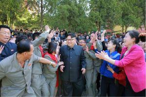 160604 - 조선의 오늘 - KIM JONG UN - Marschall KIM JONG UN besichtigte das neu gestaltete Kinderferienlager Mangyongdae - 14 - 경애하는 김정은동지께서 새로 개건된 만경대소년단야영소를 현지지도하시였다