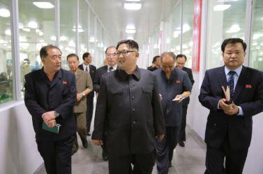 160616 - 조선의 오늘 - KIM JONG UN - Genosse KIM JONG UN besuchte das modern umgebaute Pyongyanger Getreideverarbeitungswerk - 09 - 경애하는 김정은동지께서 현대적으로 개건된 평양곡산공장을 현지지도하시였다