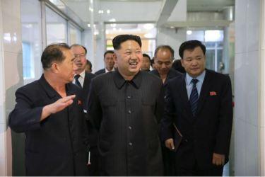 160616 - 조선의 오늘 - KIM JONG UN - Genosse KIM JONG UN besuchte das modern umgebaute Pyongyanger Getreideverarbeitungswerk - 10 - 경애하는 김정은동지께서 현대적으로 개건된 평양곡산공장을 현지지도하시였다