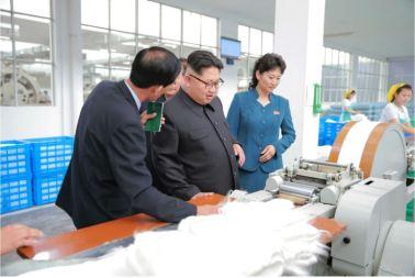 160621 - 조선의 오늘 - Genosse KIM JONG UN besuchte die Pyongyanger Seidenspinnerei 'Kim Jong Suk' - 04 - 경애하는 김정은동지께서 김정숙평양제사공장을 현지지도하시였다
