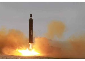 160623 - RS - KIM JONG UN - 06 - 주체조선의 국방력 일대 과시, 지상대지상중장거리전략탄도로케트 《화성-10》시험발사에서 성공 경애하는 김정은동지께서 지상대지상중장거리전략탄도로케트 《화성-10》시험발사를 현지에서 지도하시였다