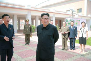 160703 - 조선의 오늘 - KIM JONG UN - Genosse KIM JONG UN besichtigte die neu errichtete Mittelschule für Waisen Pyongyang - 02 - 경애하는 김정은동지께서 새로 건설된 평양중등학원을 현지지도하시였다